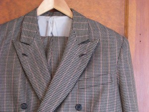 Wool houndstooth double-breasted suit