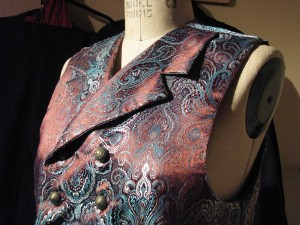 Notch-Collar Double Breasted Waistcoat in Paisley
